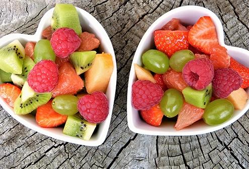 Perchè mangiare la frutta lontano dai pasti